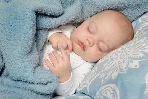 حقائق مهمة عن كثرة نوم الطفل الرضيع