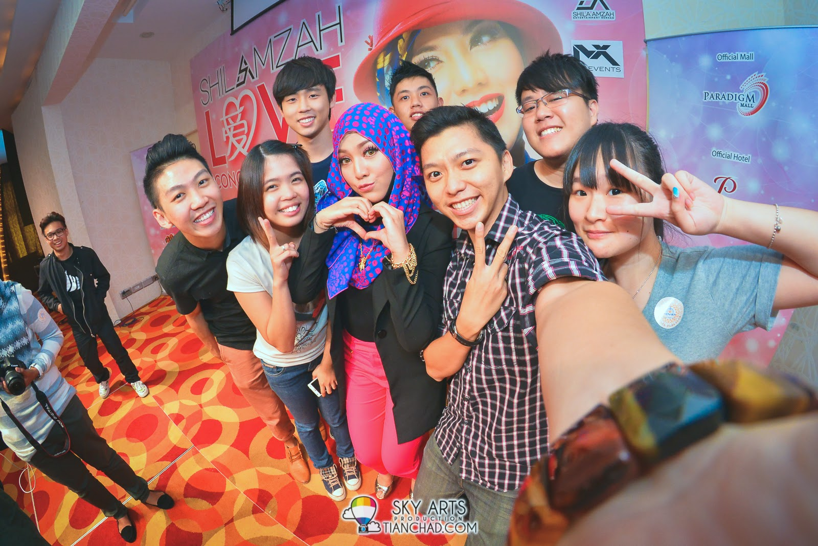 A successful love #TCSelfie with Shila Amzah and media friends!