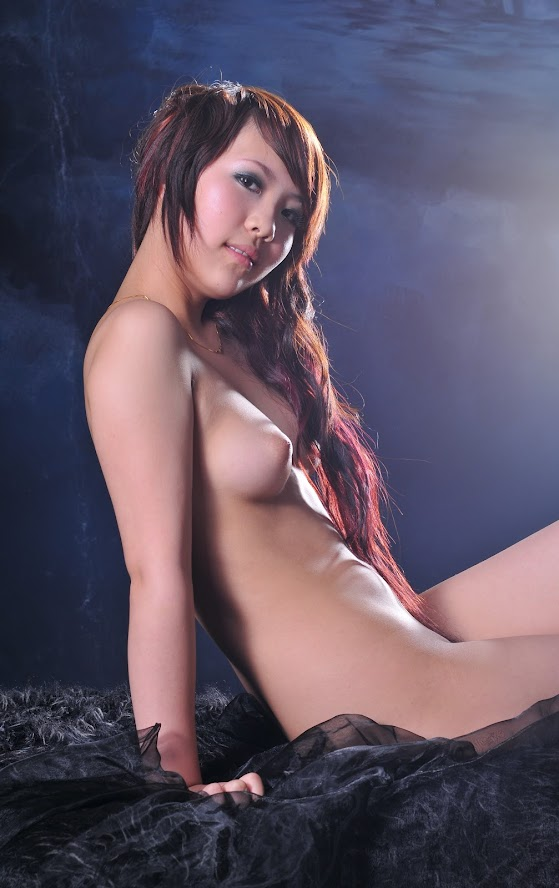 Chinese Nude_Art_Photos_-_085_-_LeLe reReal Street Angels