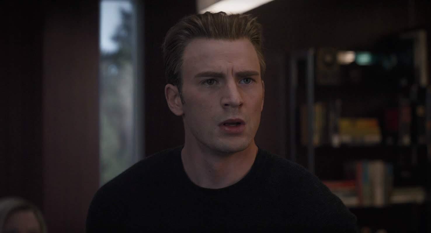 【Spoiler】LEGO Minifigure from Avengers: Endgame sets : マーベルのヒーロー大集合映画のクライマックス「アベンジャーズ : エンドゲーム」で、キャプテン・アメリカが身に着ける新しいコスチュームがネタバレしたかもしれない LEGO のミニフィグの写真 ! !