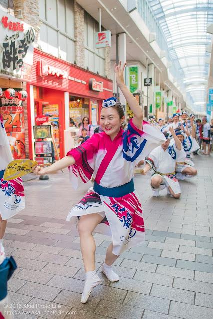 高円寺パル商店街、天翔連の流し踊りの写真 4