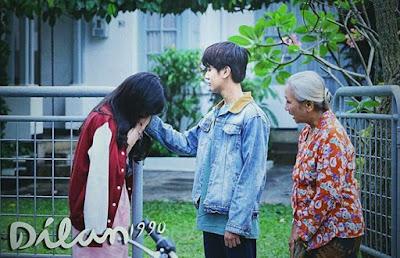 Adegan Romantis Dilan & Milea di Film Dilan 1990