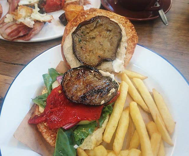 Piggery Cafe, Sherbrooke, veggie burger