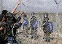 να τους δοθεί ευκαιρία να περάσουν παράνομα στην ΠΓΔΜ