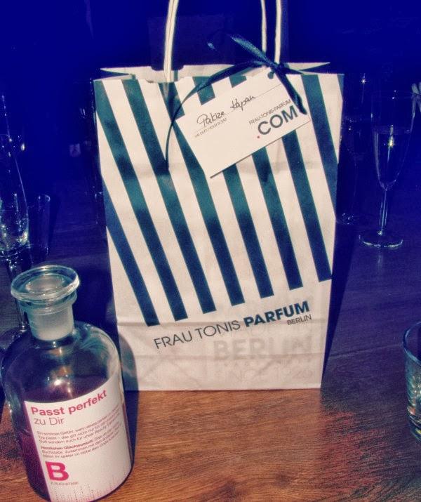 Frau Tonis Parfum Manufaktur - Unser geschenk