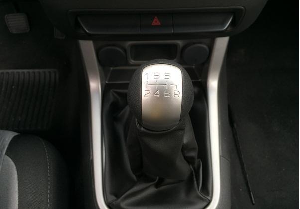 Cần số sàn Chevrolet Colorado