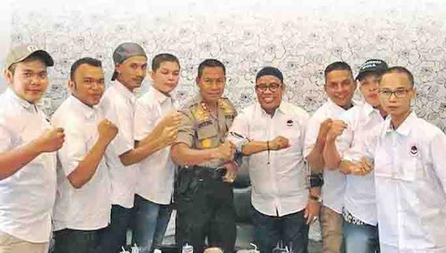 Ratusan Lembaga Aceh Gelar Aksi Dukung Untung Sangaji, Kapolres yang Membina Waria Jadi Macho