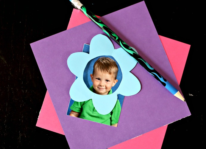 PICTURE PAPER FLOWER BOUQUET CRAFT FOR KIDS