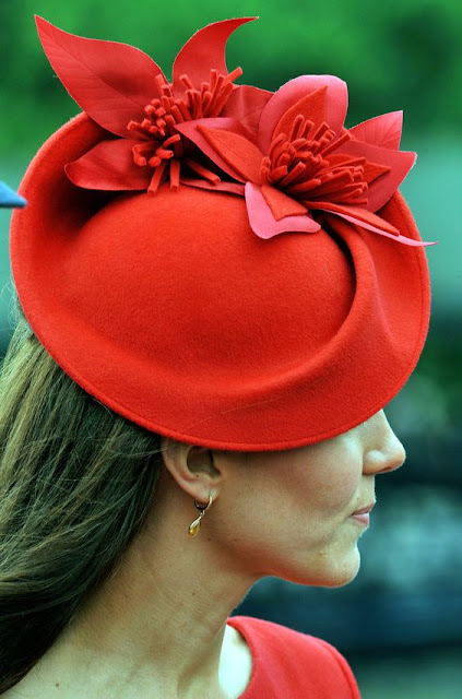 Kate Middleton : 26 Images of Inspiration: Imperial Red 07-01-2016 {Cool Chic Style Fashion}