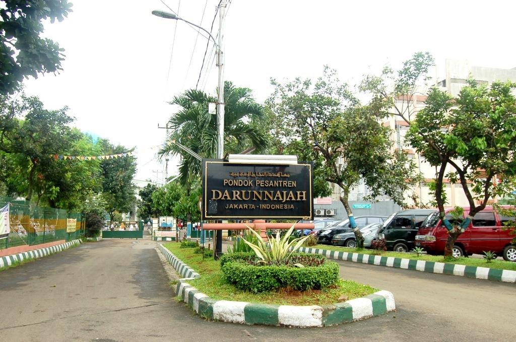 Pesantren Gratis Di Bogor Pondok Pesantren Al Ashriyyah Nurul Iman Wikipedia 679 Png 1130kb Sejarah Pondok Pesantren Darunnajah Info Pesantren