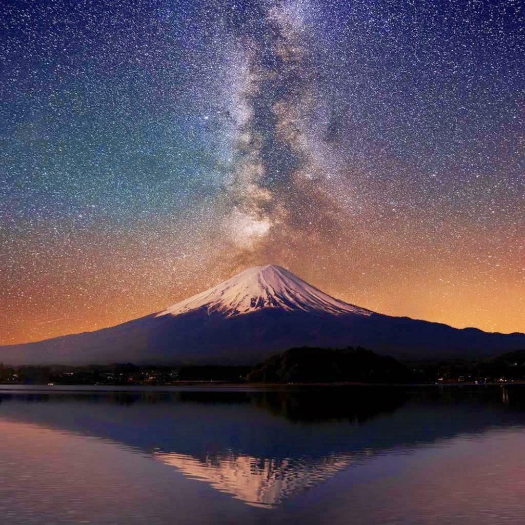 Milky Way Wallpaper: IPad 1,2, Mini Wallpaper - Milky Way Over MT Fuji
