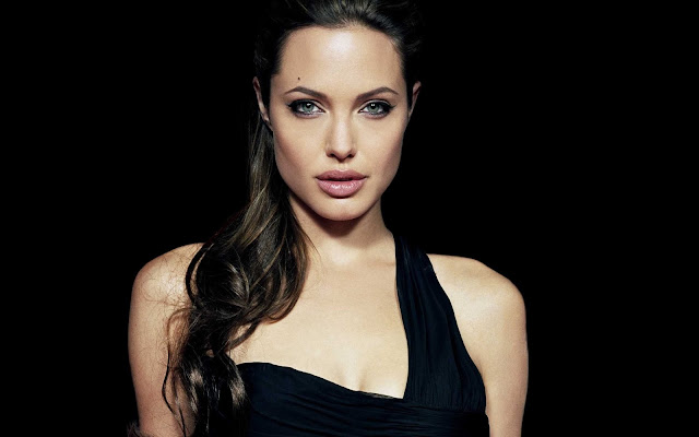 hot-angelina-jolie-wallpaper