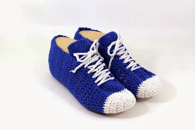 https://www.etsy.com/listing/170622181/crocheted-sneaker-slippers-pattern?ref=favs_view_3