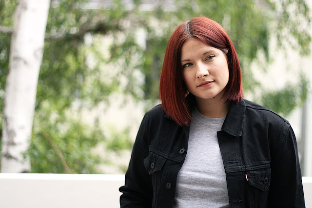 Levis, denim jacket, casual outfit, fashion, fashion blogger, style diary, red hair