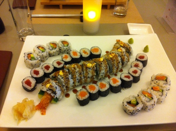 friendship never dies fleur de sushi restaurant. Black Bedroom Furniture Sets. Home Design Ideas