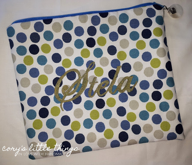 """""""Playgame with cheerful dots"""" vanity bag"""