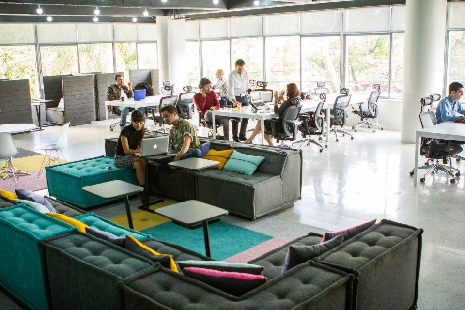 La oficina del futuro nao cl ster for Espacios para oficinas