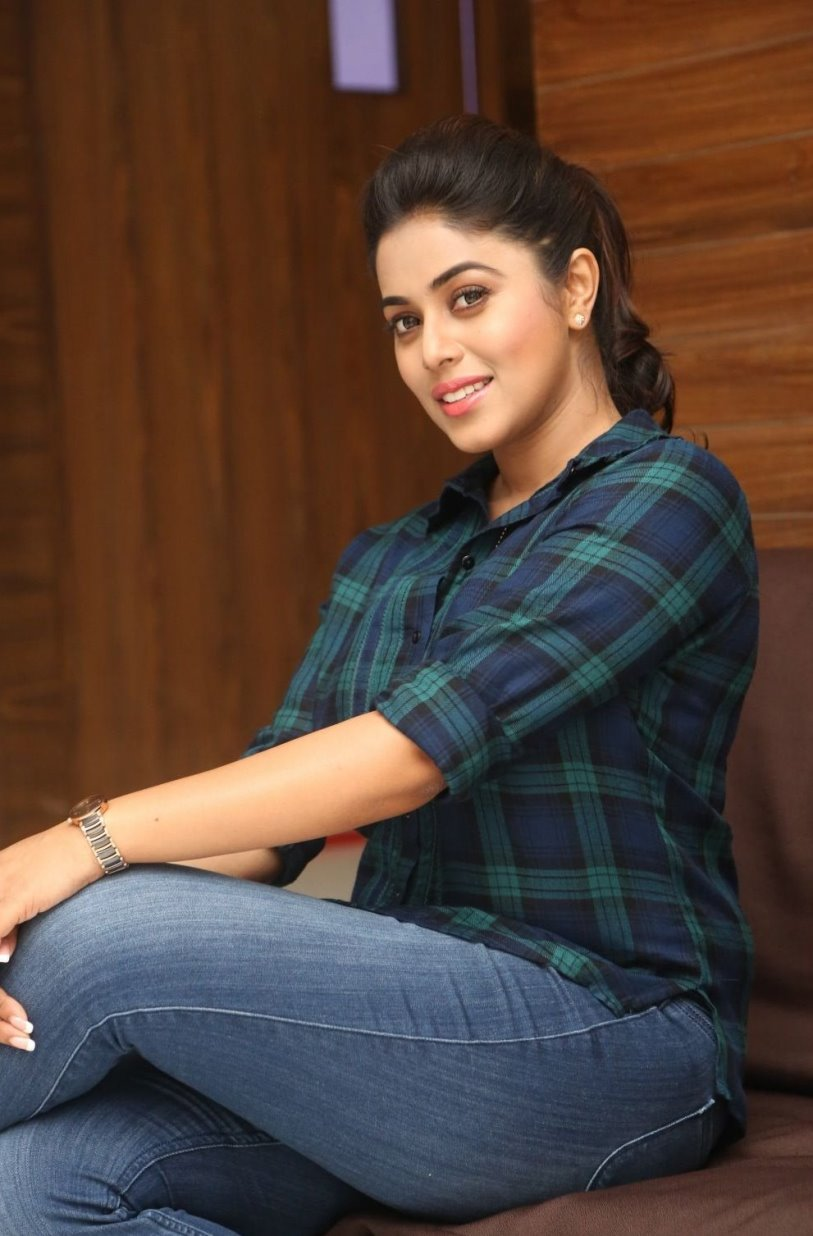actress poorna latest telugu tight jeans shirt indian hd film