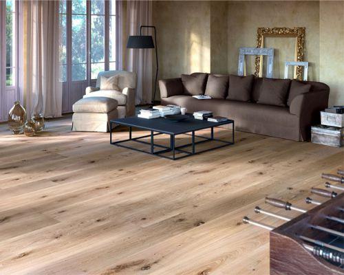 Sàn gỗ tự nhiên sồi trắng lắp đặt ở phòng khách