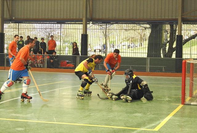 Hockey patines | El Gurutzeta suma su segundo triunfo seguido tras ganar al Laredo en Gorostiza