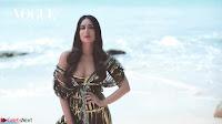 Kareena Kapoor   bollywood Queen   Sizzles  in bikini ~  Exclusive Galleries 023.jpeg