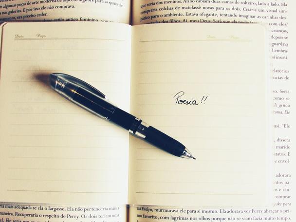 Amor, vida, livros, poesias,
