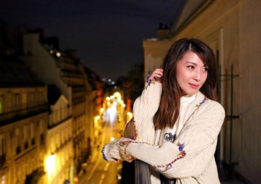 Actress Jeanette Aw (欧萱, Ōu xuān) did not renew her contract with Hype and Mediacorp.