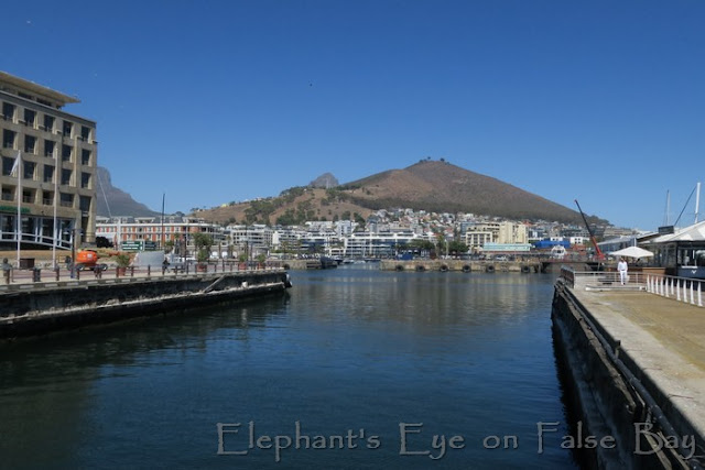 V&A Waterfront Cape Town (with Table Mountain, Lion's Head and) Signal Hill