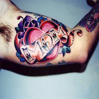 tatuaje corazon mama