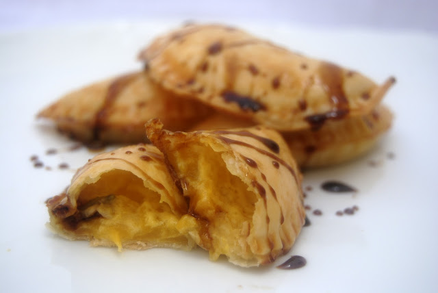 Empanadillas de Mango, Queso de Cabra y Anchoas