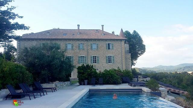 Piscina-Chateau-Les-Olivers-de-Salettes