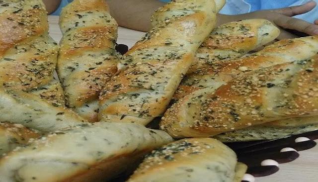 Palitos de pan de ajo y mantequilla