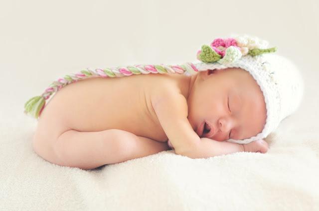 Tahap Perkembangan Bayi dan Balita Tiap Bulan