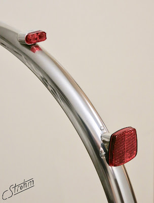 Schmidt SON fender mounted taillight and custom reflector mount, Gilles Berthoud fender