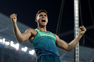 Brazil's Pole Vaulter Thiago Braz Delights Olympic Stadium by Winning Second Gold for the Nation