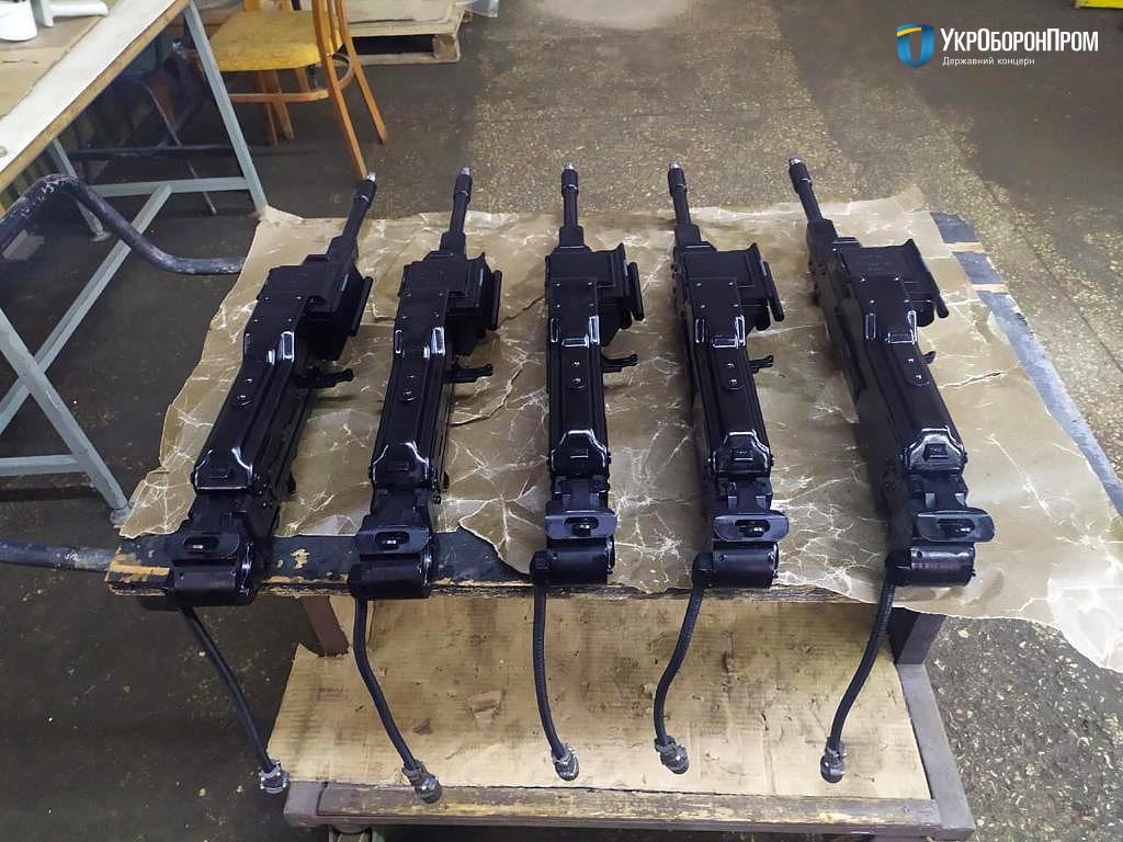 Маяк ожив і поставив п'ять кулеметів КТ7,62 для БТР-4