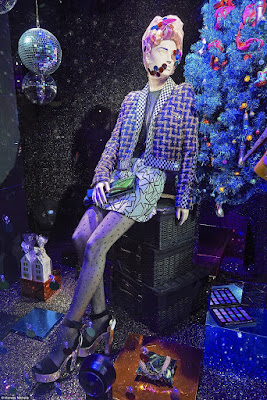 Green Pear Diaries, escaparates, visual merchandising, navidad, Harvey Nichols, Studio 54