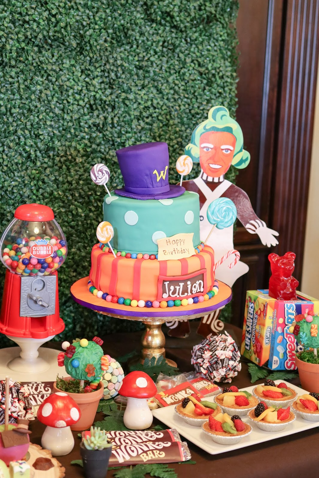 wonka party 3 tier cake, willy wonka cake, wonka cake