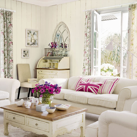 Pink Vintage Living Room: Mix And Chic: Pretty In Pink