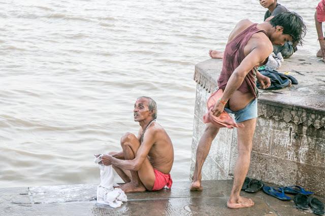 desi indian male ass butt naked wet