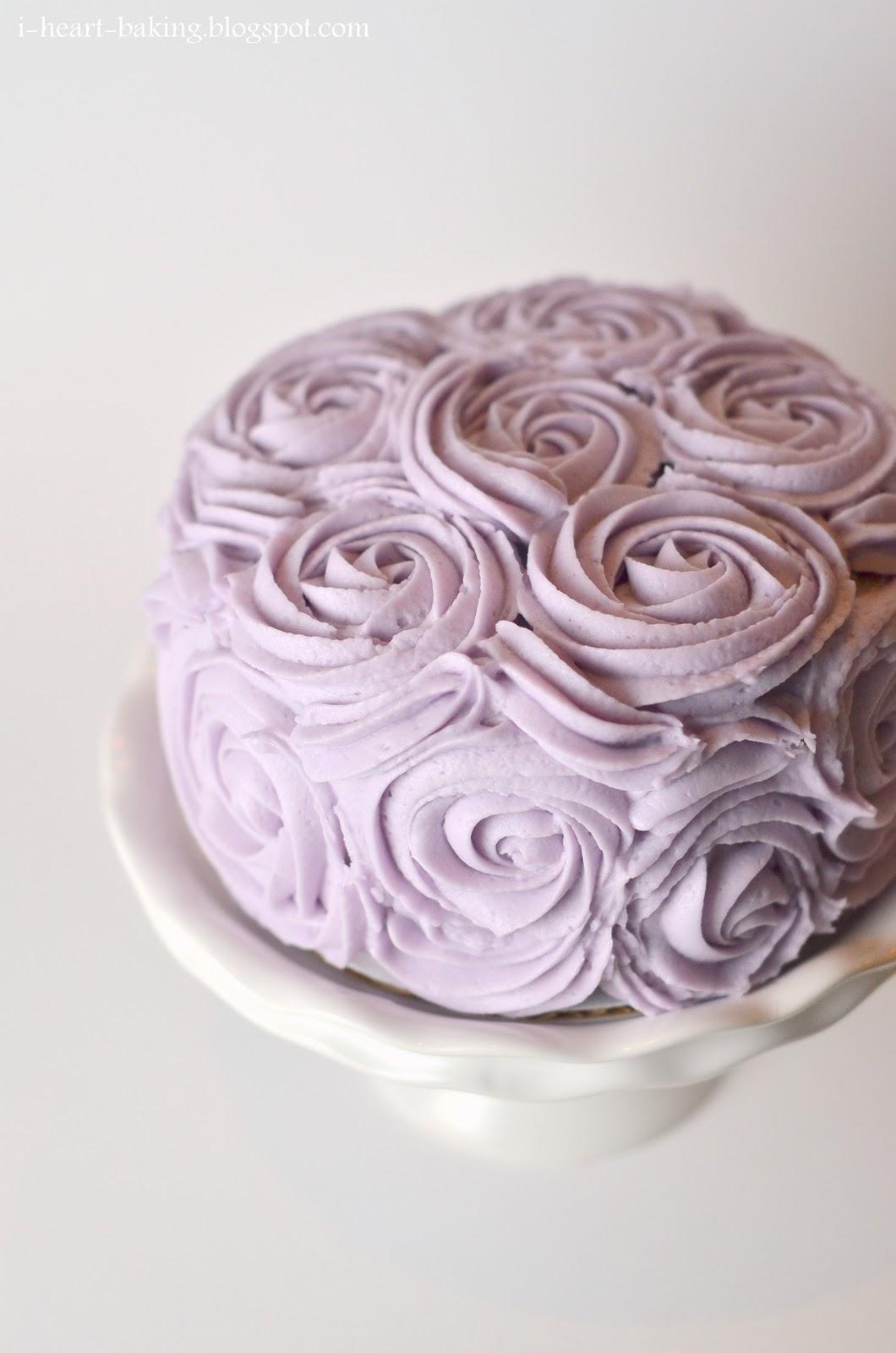 I Heart Baking Roses Cake