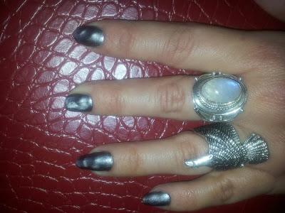 vernis à ongles magnétique Nails inc.