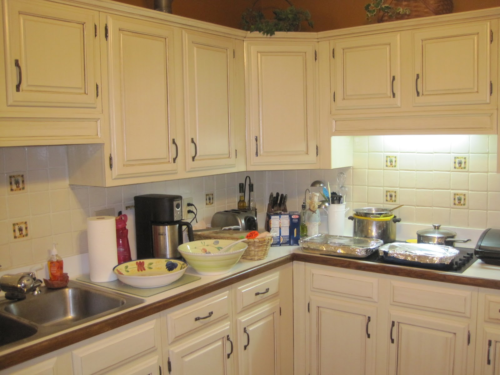 Mad Mary's Junk Yard: My friend and I refinish kitchen and ...