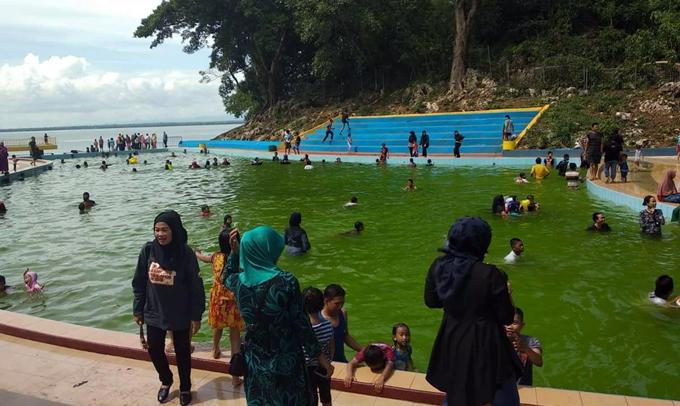 Begini Penjelasan Kadis Pariwisata Soal Air Kolam Water Park yang Berubah Jadi Hijau