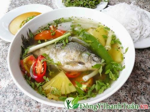 Món ăn cá diếc là cách chữa bệnh viêm dạ dày, tá tràng