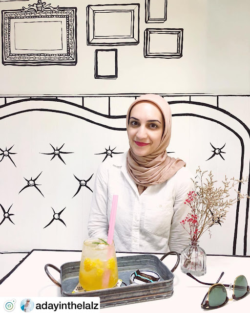 العرب في مقهى الكرتون