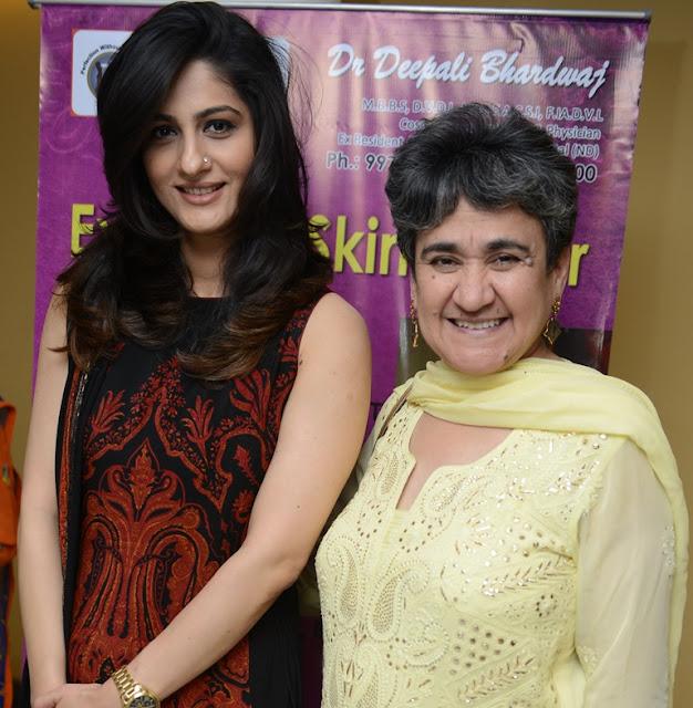 Kiran Name Bands: Talk On Anti Ageing At India Islamic Centre