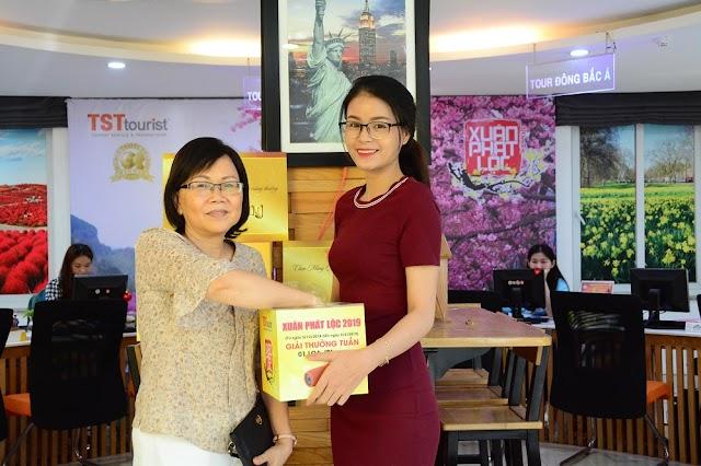 Chúc mừng khách hàng may mắn trúng giải tuần 4 của TST Tourist
