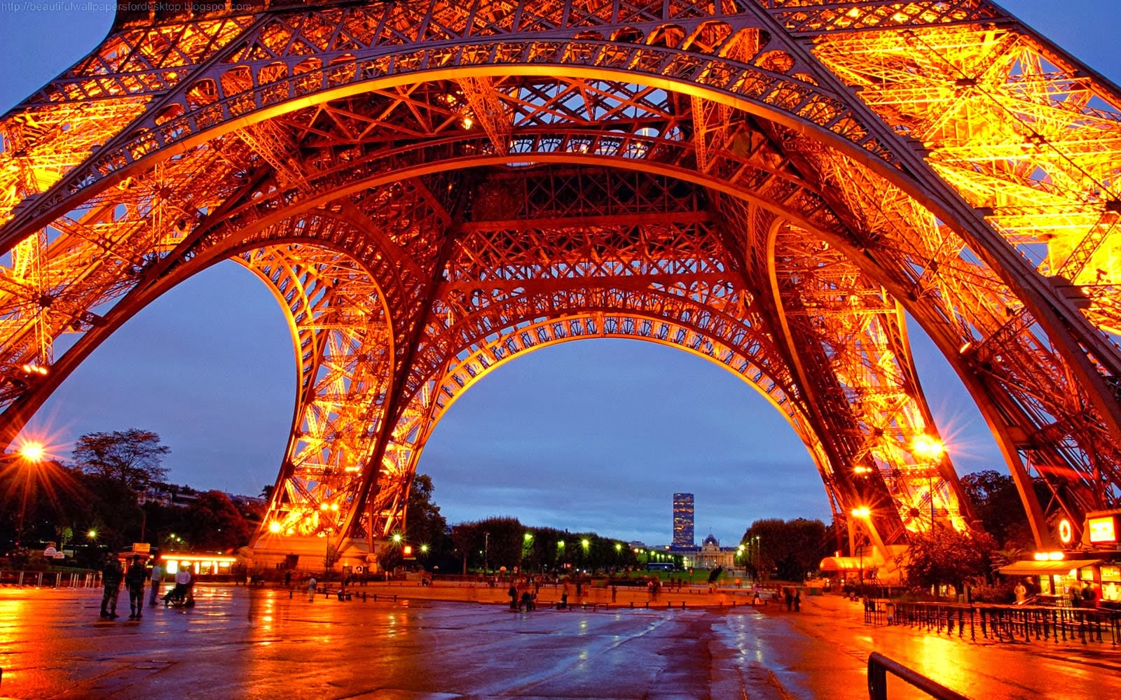 Torre Eiffel Dibujo Animado A Color: Eiffel Tower Wallpaper For Walls