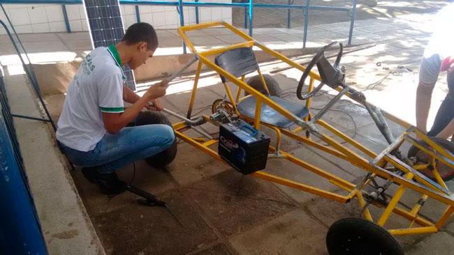 Carro é movido à geração de energia solar - Foto: Divulgação
